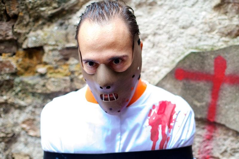 Media máscara de Halloween
